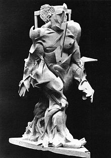 Umberto Boccioni, Spiral Expansion of Muscles in Action, (1914) plaster
