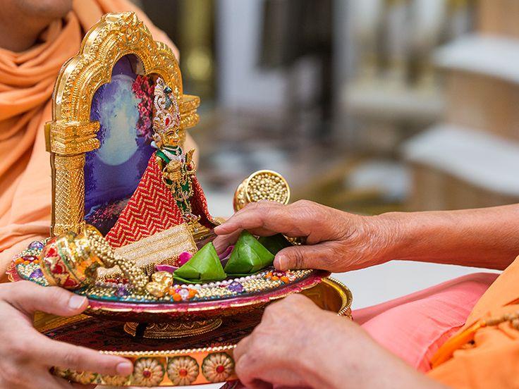 Parbrahma Purushottam Bhagwan Shri Swaminarayan [ Hari Krishna Maharaj ], Akshar Brahma Gunatit SatPurush pramukh swami  maharaj