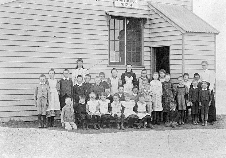 Teacher and pupils at the Rupanyup State School no 1761, c1895.