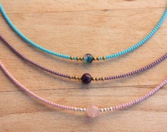 Collana girocollo di minuscole perline gioielli di monroejewelry