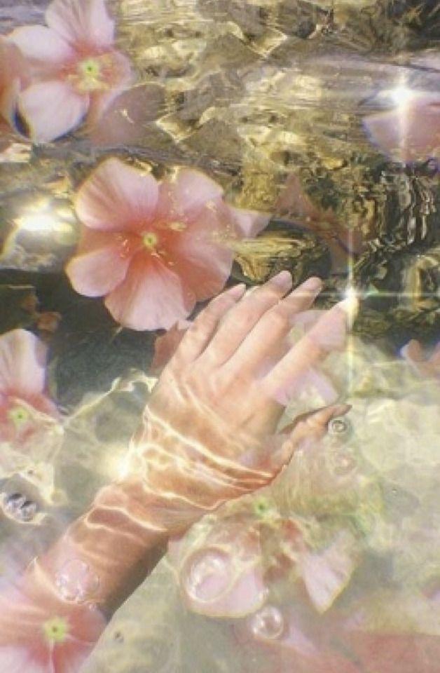 Fae Aesthetic, Spring Aesthetic, Aesthetic Drawing, Flower Aesthetic, Aesthetic Vintage, Japanese Aesthetic, Garden Wallpaper, Foto Fantasy, Living In London
