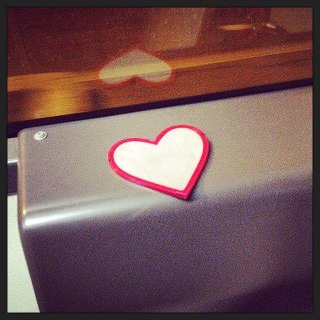Capita di lasciare il cuore da qualche parte. Su un bus, magari. #rome #italy #roma #italia #sanlorenzo