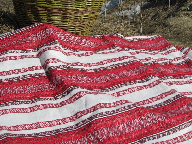 """ткань """"Ладушка"""" Двухсторонняя. ширина 1,5м. цена 750руб.п/метр Ткани с народным орнаментом подходят для пошива традиционной и повседневной одежды, создания уюта."""