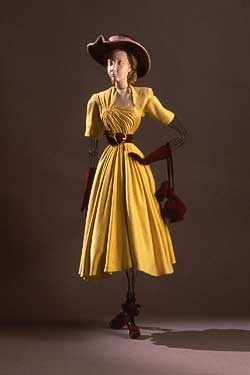 th tre de la mode mannequin with draped dress and accessories by jeanne lafaurie 1946 haute. Black Bedroom Furniture Sets. Home Design Ideas