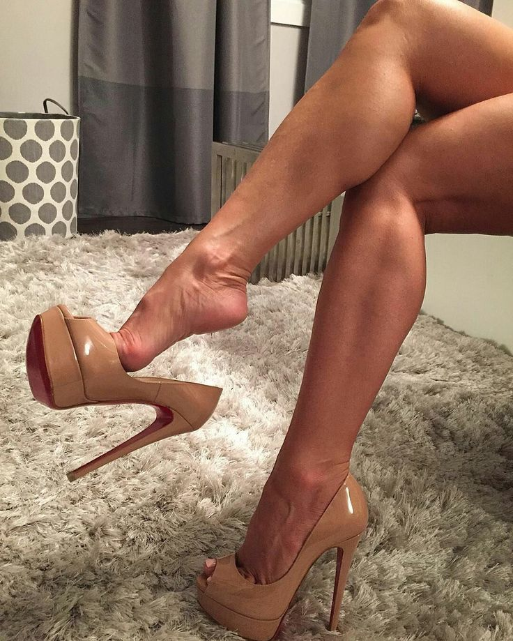 nude-sexy-feet-in-high-heels