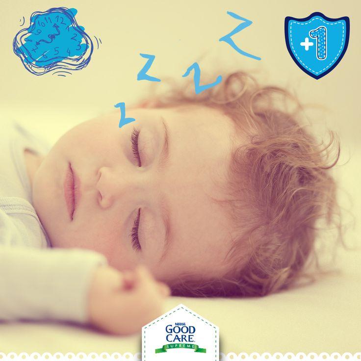 Para crearle buenos hábitos de sueño a tu pequeño, es necesario que establezcas un horario fijo para ir a dormir.
