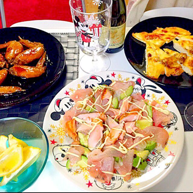 手羽先の照り焼き サーモン生ハムアボカドのサラダ ピザ2種 - 20件のもぐもぐ - Xmas❤︎❤︎ by aiai0707