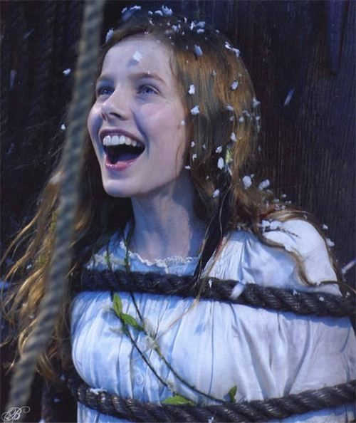 Rachel Hurd-Wood Peter Pan Wallpaper