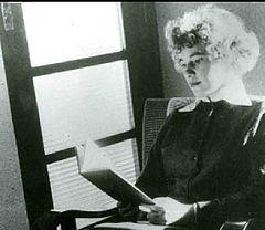 Ingrid Jonker was 'n Afrikaanse skryfster en digteres. 19/9/1933 -19/7/1965, Belangstelling in Ingrid se werke en veral ook in haar kort en tragiese lewe was ná haar dood veel groter as toe sy geleef het. Net 3 digbundels van haar is ooit gepubliseer: Ontvlugting (1956), Rook en oker (1963), en Kantelson (1966). Sy het selfmoord gepleeg deur in die see te loop in Drieankerbaai, Kaapstad