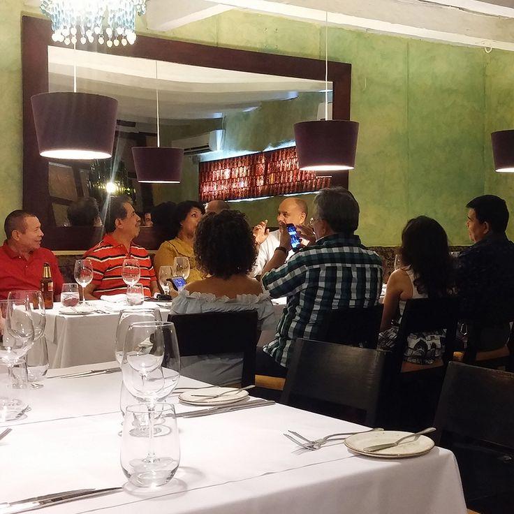 Acompáñanos en la mesa de las indulgencias.  #RestauranteElSantísimo #Cartagena #Sabor #Caribe