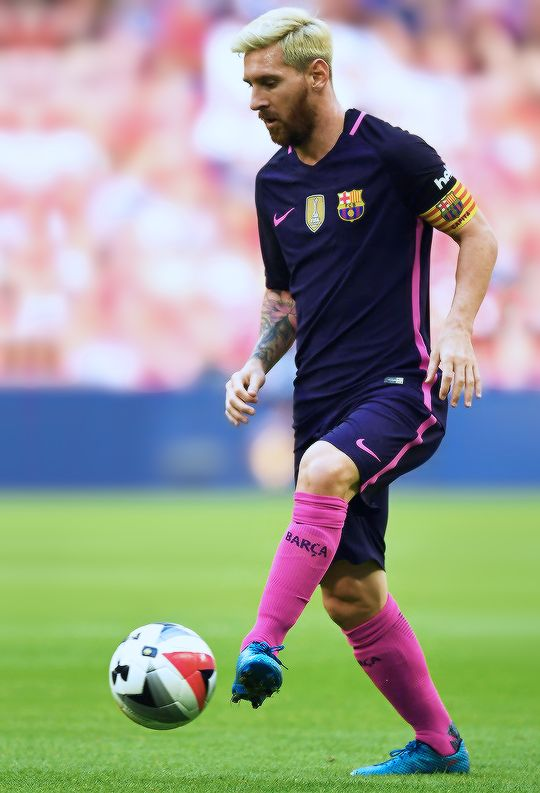 Lionel Messi in action during the International Champions Cup match between Liverpool and Barcelona at Wembley Stadium on August 6, 2016 in London, England.