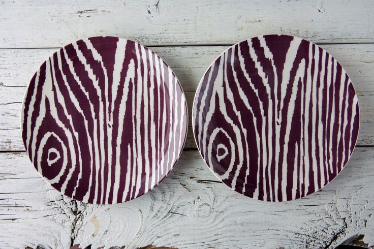 2er Set Streifen lila Zebra keramische Platten-Food Fotografie Requisiten von FoodPhotoPropShop auf Etsy https://www.etsy.com/de/listing/501433996/2er-set-streifen-lila-zebra-keramische