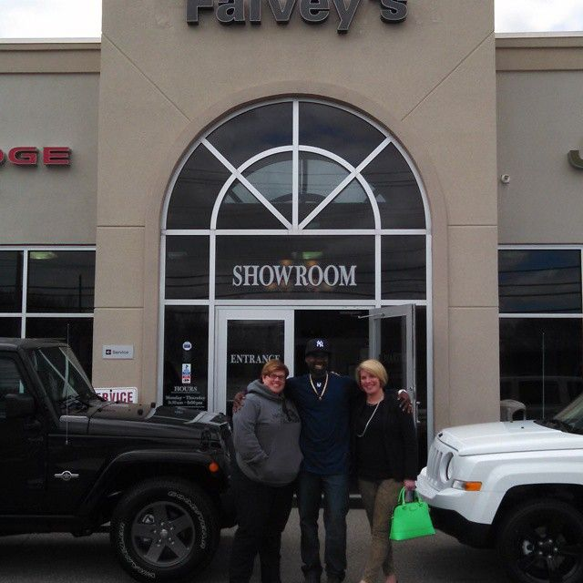 Congratulations to Jamie and Lindsay! Enjoy the new Jeeps!  #Falveysmotors #Chrysler #Dodge #Jeep #Ram #Ramtrucks #Mopar #Norwichct #Newlondonct #Grotonct #Mysticct #Norwich #Newlondon #Groton #Mystic #Colchesterct #Colchester #Falveys #Carsdotcom #Autotrader #Fivestar #Ct #Connecticut