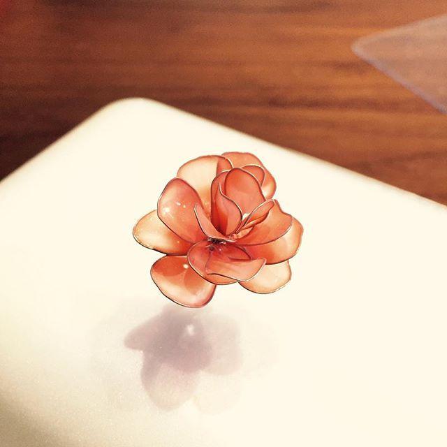 ワイヤー×マニキュアで作るフラワーアクセサリーが簡単可愛い♡ - Locari(ロカリ)