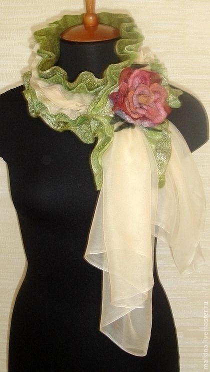 """Купить Шарф из войлока и шифона """"Весна"""" с брошью - зеленый, шарф, шарф женский, шарфик"""