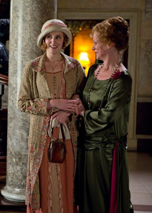 Downton Abbey/Lady Rosamund Painswick (Samantha Bond) & Lady Edith Crawley (Laura Carmichael):