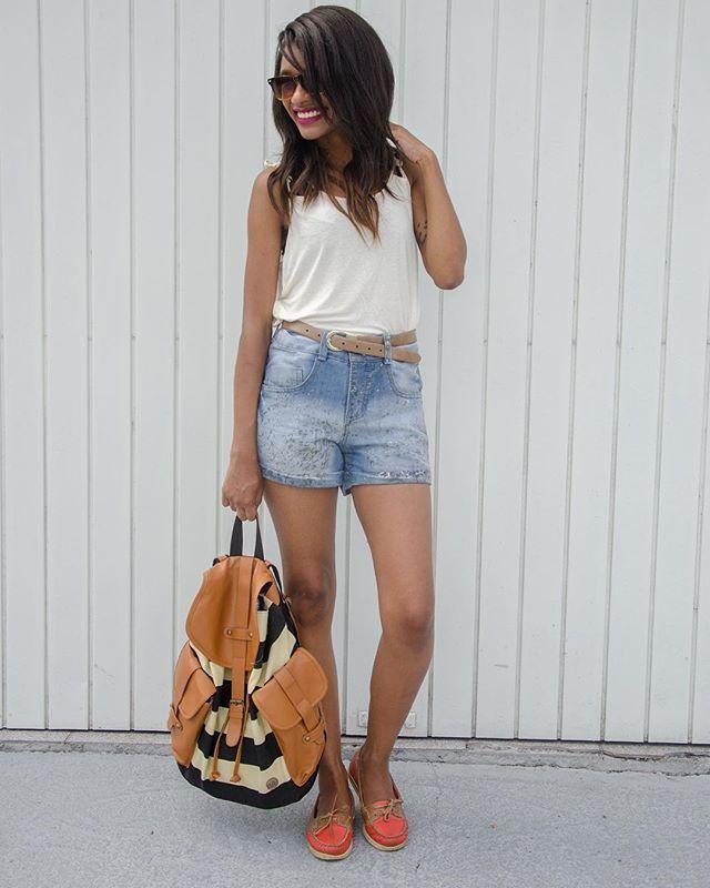 Mochila linda pra você ficar estilosa e preparada para o #VoltaÀsAulas? Check! ✅   Ig: @oficialstephanie