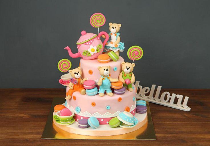 """Детский торт """"Мишка пьет горячий чай""""  Плюшевый мишка – символ нежности, трогательной заботы, тепла☺️ Не только дети любят мягкие игрушки. Нередко их выбирают в качестве подарков и для, казалось бы, зрелых, уверенных в себе взрослых. Наш уникальный торт с мишками украсит Ваш праздничный стол и подарит много приятных моментов Вашему торжеству😉  С радостью изготовим, а если пожелаете, то и доставим красочный #детскийторт от 3-х кг всего за 2350₽/кг. В стоимость включено изготовление…"""