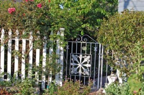 68 Best Old Iron Gates Images On Pinterest Gardening
