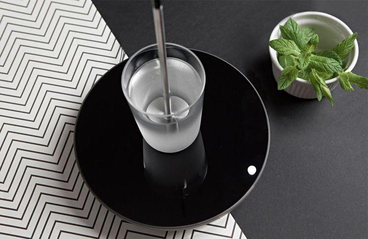 Miito: Universeller Wasserkocher mit Induktion für jede Tasse, Kanne oder Glas erhitzt Wasser, Milch, Tee und vieles mehr …
