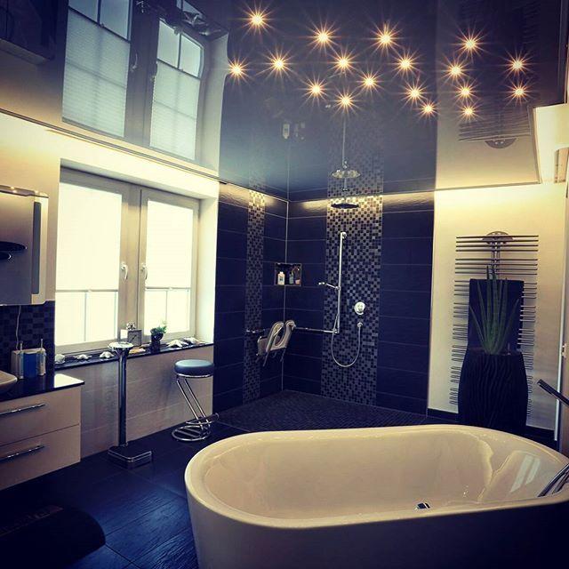 badezimmerdecke in hochglanz mit indirekter beleuchtung plameco deckengestaltung deckchen. Black Bedroom Furniture Sets. Home Design Ideas