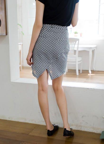 asymmetric polka skirt from Kakuu Basic. Saved to Kakuu Basic Skirts. Shop more products from Kakuu Basic on Wanelo.