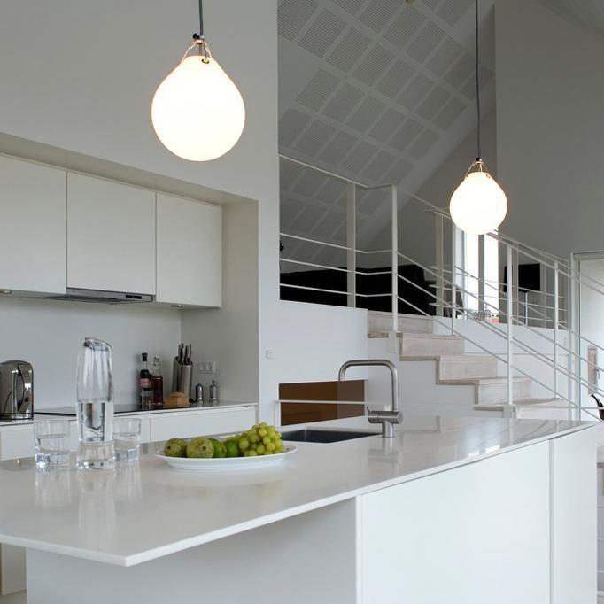 moser glossy lampe pendel louise poulsen lampor. Black Bedroom Furniture Sets. Home Design Ideas