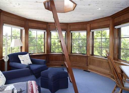 The second floor of the lighthouse encompasses an octagonal library with access to the lighthouse's third floor and widow's walk.