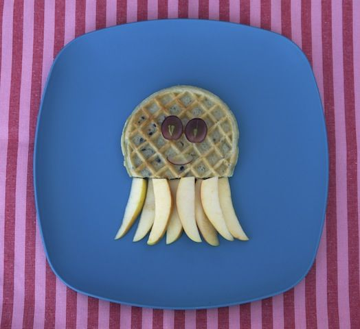 You only need three ingredients to whip up this cute little waffle octopus for your little one's breakfast!