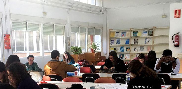 Sala de lectura de la biblioteca de Empresariales en época… #exámenes