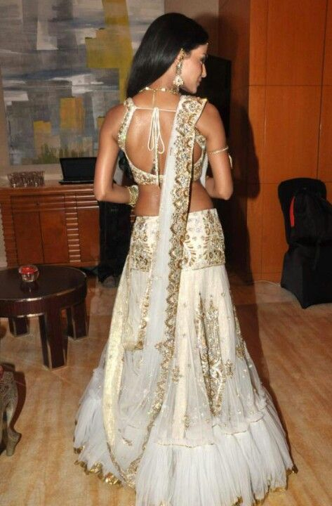 "Gorgeous white and gold lehenga! For more follow my ""Indian Fashion"" boards!!"