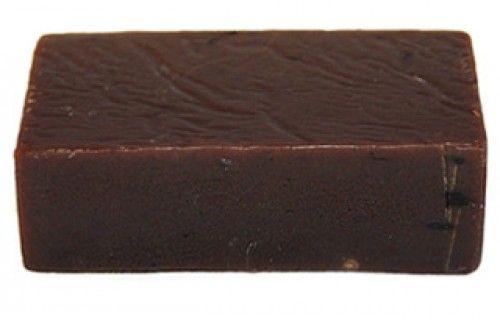Een romige, schuimende zeep boordevol cacaoboter en -poeder; met de frisse geur van sinaasappel en lavendel, uitgebalanceerd met een snufje cederhout. Ingrediënten: cacaoboter, kokosolie, water, ricinusolie, hennepzaadolie, cacaopoeder, etherische sinaasappelolie, etherische vanilleolie, etherische lavendelolie, etherische cederhoutolie Ingrediënten (INCI): Theobroma Cacao Seed Butter, Cocos Nucifera Oil, Aqua, Ricinus Communis Seed Oil, Sodium Hydroxide, Cannabis Sativa Seed …