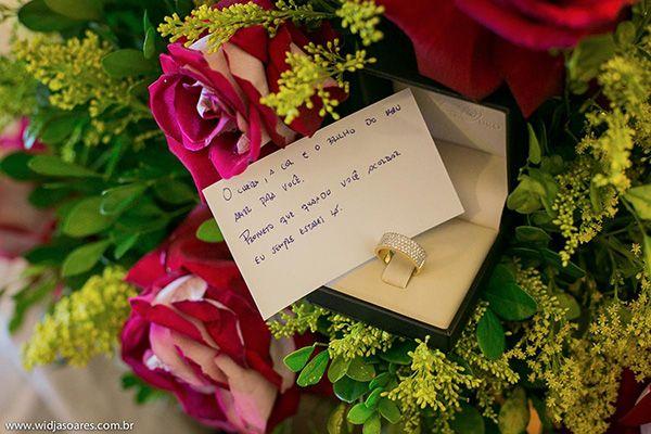 Um presente inusitado e uma mensagem de amor. Casamentos Reais | Natalia + Abel