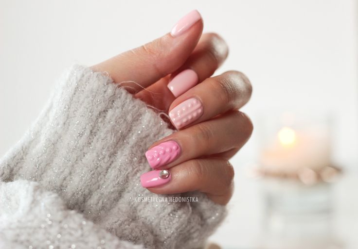 Knit manicure, knitted nails, sweater nails