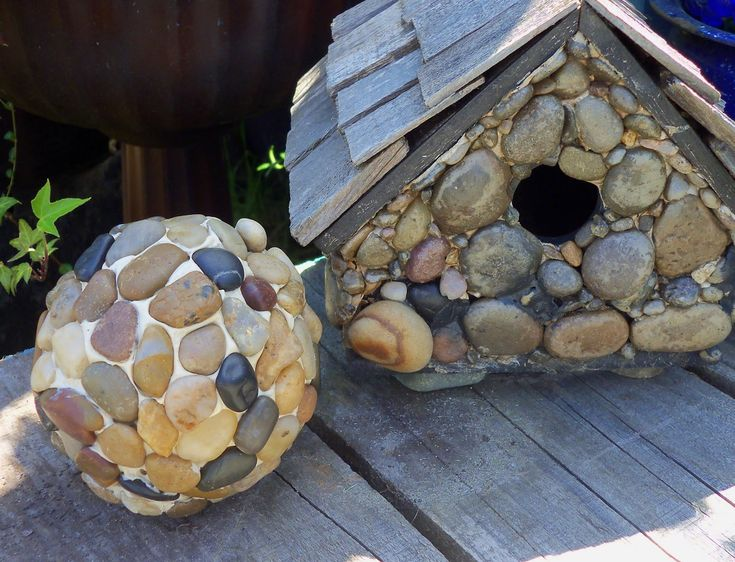 Make The Best of Things: DIY Pebble Garden Balls