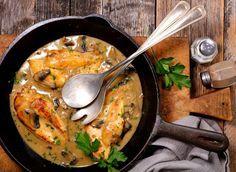 Piept de pui în sos cremos de ciuperci și usturoi | Retete culinare - Romanesti si din Bucataria internationala