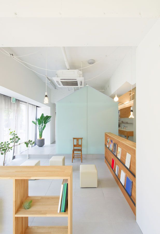 Having a tooth pulled is not a pleasant experience, but somehow Tato Architects managed to create a welcoming and peaceful dental clinic in Kobe, Japan.
