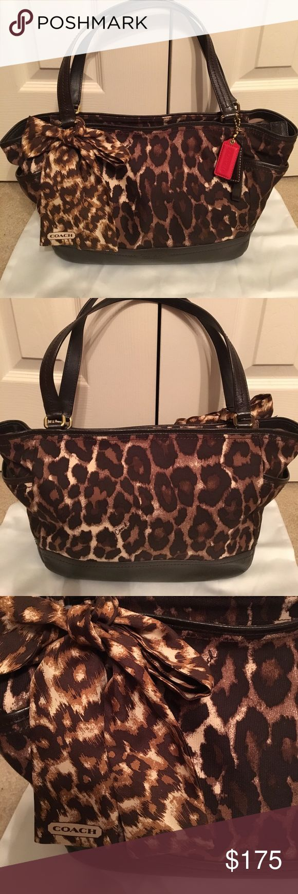 EUC Coach shoulder bag stunning 🦋🐬💕🌹 Absolutely gorgeous Coach animal print shoulder bag. Looks brand new in my opinion!!! This bag will not disappoint at all!! Tv will be higher❤️😘😊💕🐬🦋🌹😍💋👛🌈 Coach Bags Shoulder Bags
