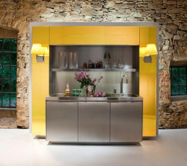 Moderne Kücheneinrichtung Edelstahl Oberfläche Gelbe Einführung