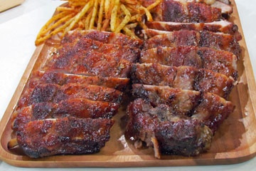 Kitchen Boss Sweet and Smokey Bbq Ribs. This looks aaaaamazing!  | More Rib Recipes on Cooking-Outdoors.com