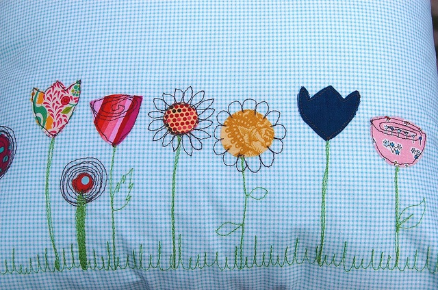 Freehand machine embroidery inspiration: Doodle flowers