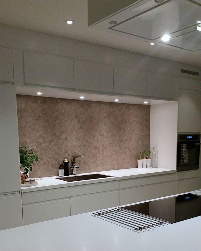 WEBSTA @ marit_m_ - Tid for kaffe ☕ ha en super onsdag ♥#kjøkken #kitchen #oras #treflis #rightpricetiles #corean #rørosmetall #nytthus #mitthjem #interiør #interior123 #norgeshjem #mitthem #livingrooms #interior4all #boligpluss #instainteriors