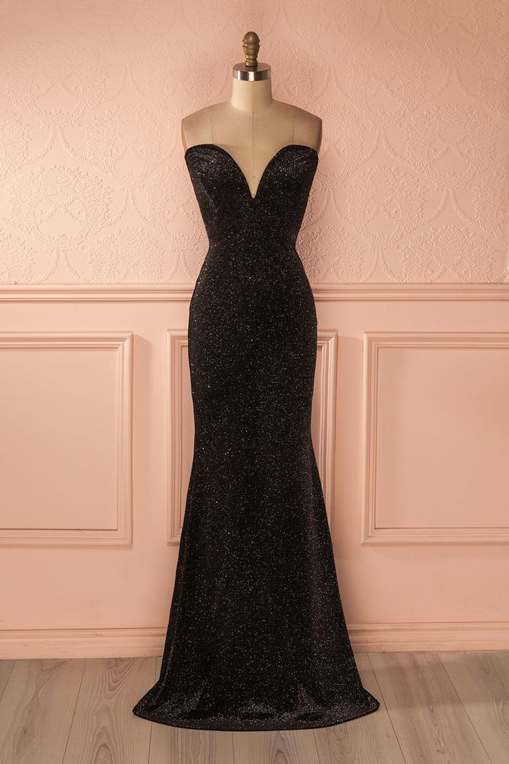 Robe maxi de velours noir à paillettes - Black velvet maxi dress with glitters