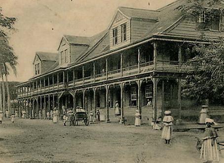 Warenhuis Kersten.  Geschiedenis warenhuis Kersten te Paramaribo. Dubbelklik om de geschiedenis te lezen.