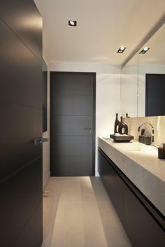 Badkamer met deuren van Bod'or - Model George - Design by Eric Kuster - Residential