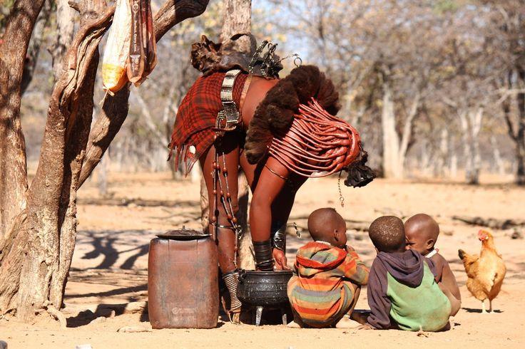 Sempre que visito aldeias e grupos tribais sinto um apelo estranho da natureza. Quem me conhece sabe que adoro o contacto com culturas ancestrais e que desfruto imenso daquilo que têm para me ensinar. Desta forma, quando encontro grupos étnicos que se distinguem pela extraordinária forma como sobrevivem neste mundo globalizado, tenho a sensação que …