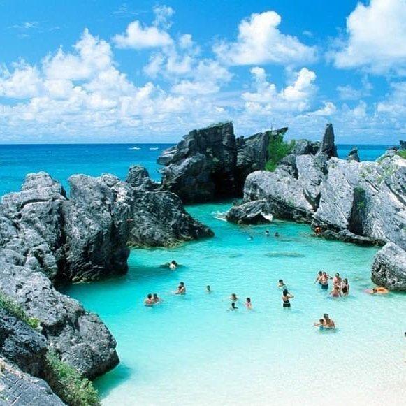 Bermuda. Voglia di vacanza? #giftsitter è la #lista #viaggio adatta ad ogni occasione! Scopri di più cliccando sul link in bio.  #giftsittermania #viaggi #trip #holliday #valigie #travel #travelingram #ocean #mare #sea #blue #water #sun #wave #nature #instabeach #summer #regali #photooftheday #picoftheday #rocks #sunny #love #days