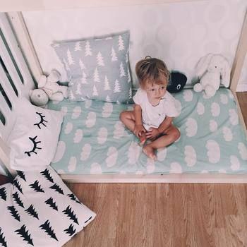 子供部屋にもピッタリのクッションたち。落ち着いた色なので子どもっぽくなりすぎず、大きくなっても使えるもの揃っています。