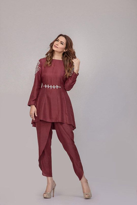 More from pre-Eid fashion madness, pret queens Ayesha Somaya bring a beautiful range of simple and stylish triple volume collection in store! Small family and friends gathering together is the perf…