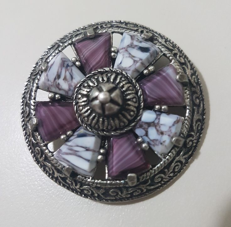 "Miracle Vintage Scottish Celtic Shield Brooch - pewter & ""agate style"" glass"